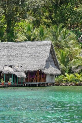 eco-friendly-RW_Luxury_Hotels_&_Resorts_278017331