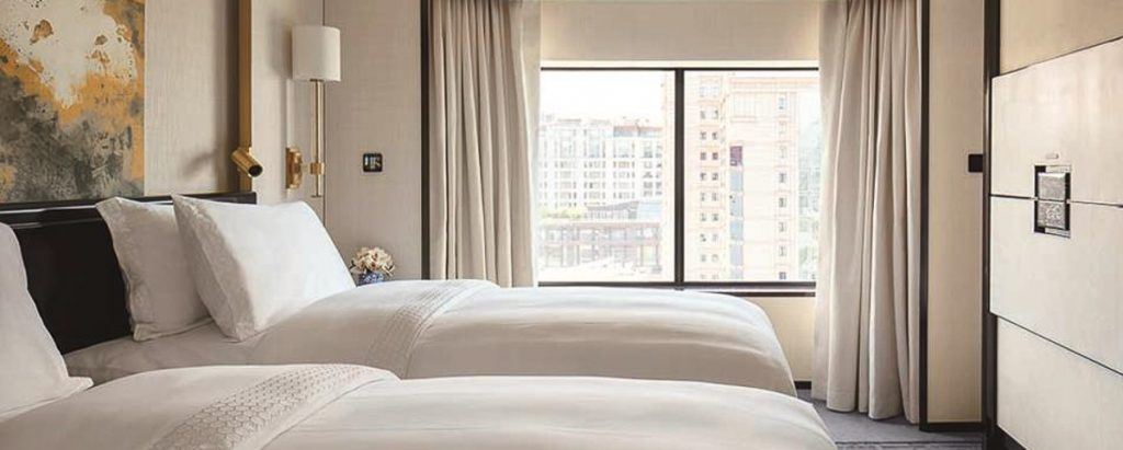 courtesy-of-the-peninsula-beijng-deluxe-room_twin-bed-1074