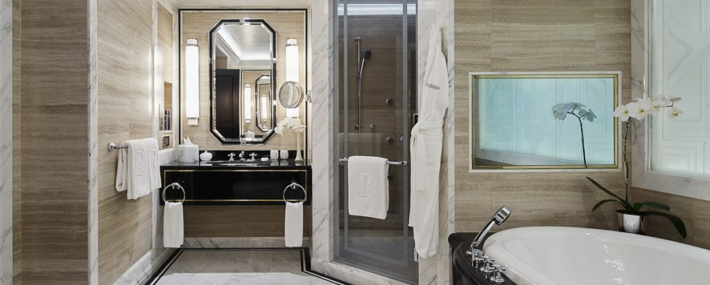 rw-luxury-hotels-resorts-peninsula-fifth-avenue-suite-master-bathroom