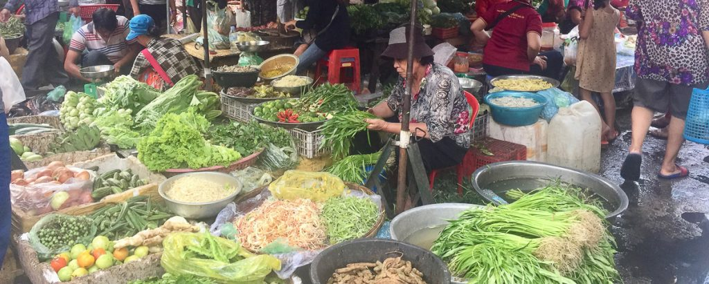 RW Luxury Hotels & Resorts Phnom Penh Cambodge market