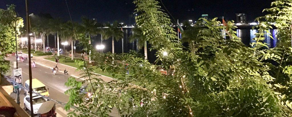 RW Luxury Hotels & Resorts Phnom Penh Cambodge FCC